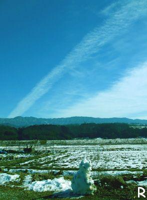 空と雲と雪だるま