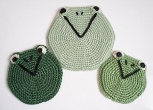 カエルの鍋敷き・コースターハンドメイド・手編み