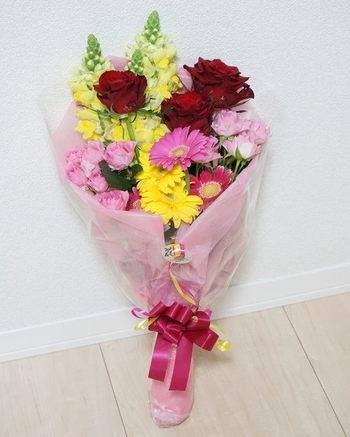 結婚記念日花束ガーベラバラ