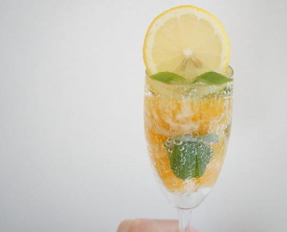 オレンジ+オレンジミントの炭酸フルーツジュース