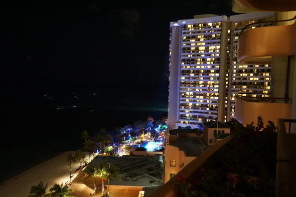 ロイヤルハワイアンホテル ワイキキビーチ夜景
