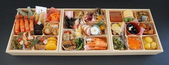 三久食品【冷蔵】京都のおせち かにかくに三段重豪華