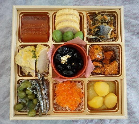京都 祇園のおせち かにかくに【参之重】品数が多い・華やか