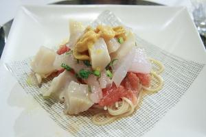 高知フルーツトマトと地元魚介の冷製ペスカトーレ