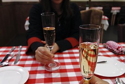 ビストロミオネー シャンパン