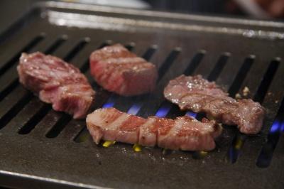 レア肉焼肉