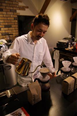 フォーバレルコーヒーを飲み比べ