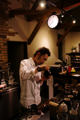 フォーバレルコーヒーをカプチーノ