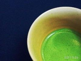 京都 震災復興支援の茶会<薄茶)