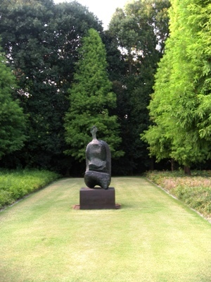 Seated Woman:Thin Neck(1961)_Henry MOORE_豊田市美術館