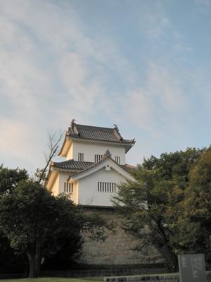 豊田市美術館入り口付近