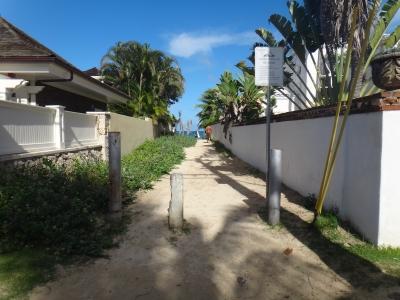 ラニカイビーチの入口