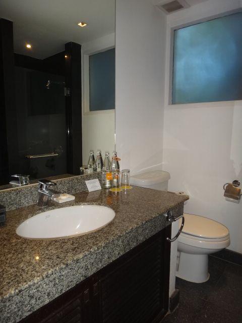 サムイ島アマリバスルーム洗面所