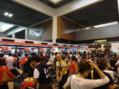 バンコクドンムアン空港エアアジアチェックインカウンター