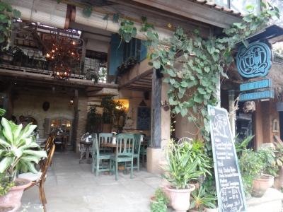 ウブドの街並みカフェ