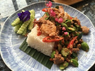 エビとサトー豆の炒め物サムイ島タイ料理クリームカフェ
