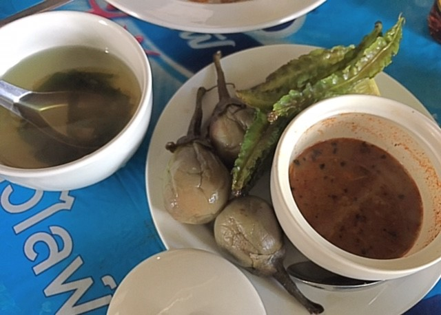 サムイ島ミャンマー料理ぶっかけ食堂