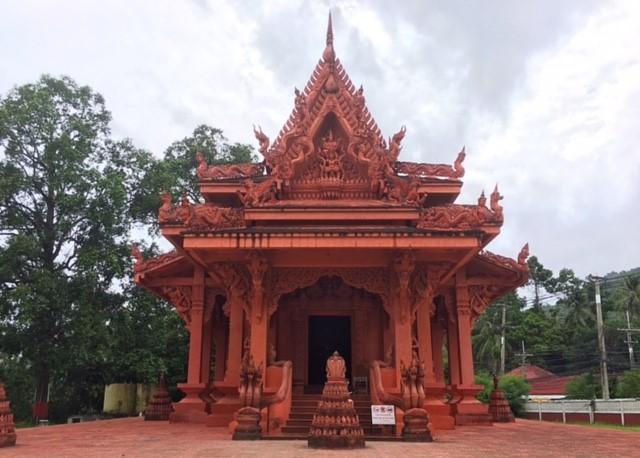 サムイ島観光スポット蛇寺