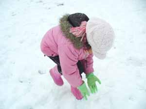 雪玉づくり