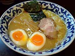 九段斑鳩 煮玉子らー麺