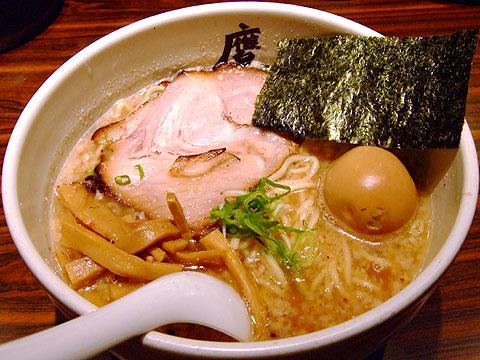 麺屋武蔵 鷹虎 醤油味玉ら〜麺 豚4