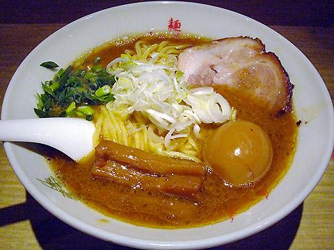 武蔵 江戸きん 味玉豚菜ら〜麺