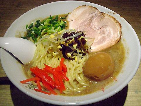 武蔵江戸きん 極豚ら〜麺+味玉