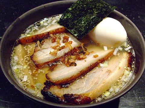 めじろ 塩煮干しちゃ〜しゅう麺+味玉