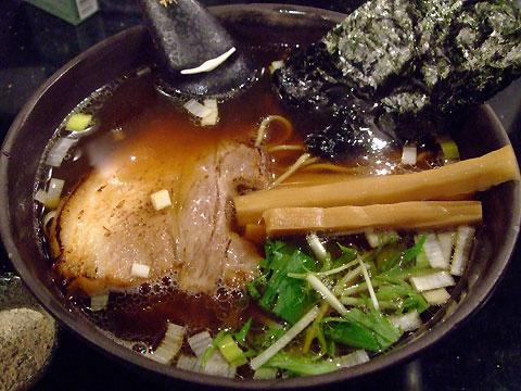 めじろ ら〜めん(煮干し粉別盛り)