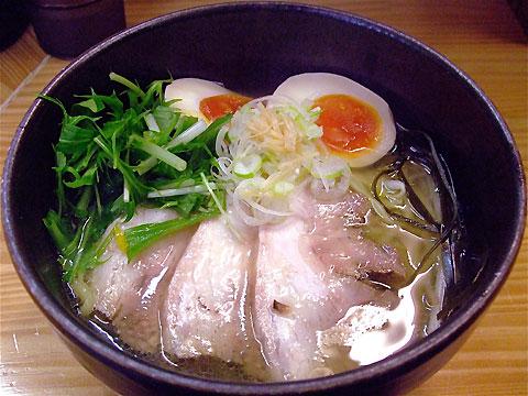 しろ八 塩しろ八麺+水菜