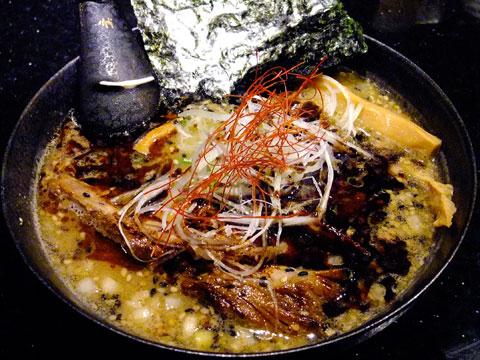 めじろ 味噌ら〜めん+黒葱油