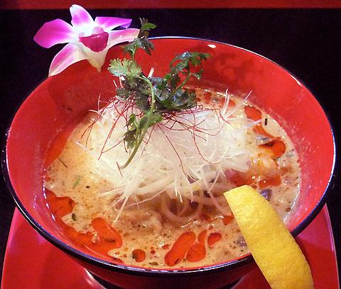 藤巻激城 五味融合美彩麺 白