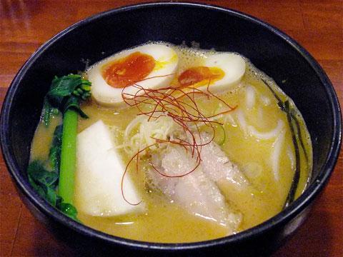 旬麺しろ八 味噌しろ六+ピーチカブ