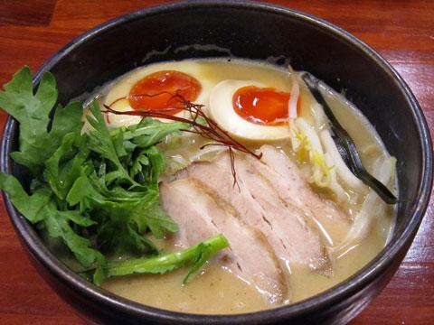 旬麺しろ八 味噌しろ八+春菊太郎