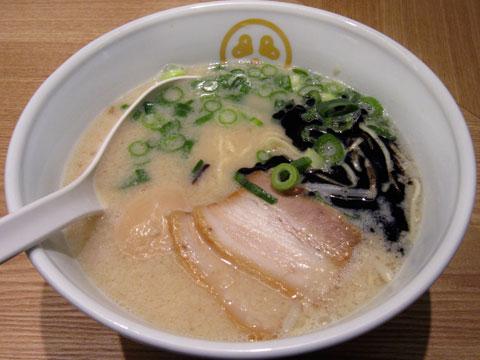 TOKYO豚骨BASE 豚骨プレーン+香油+煮玉子