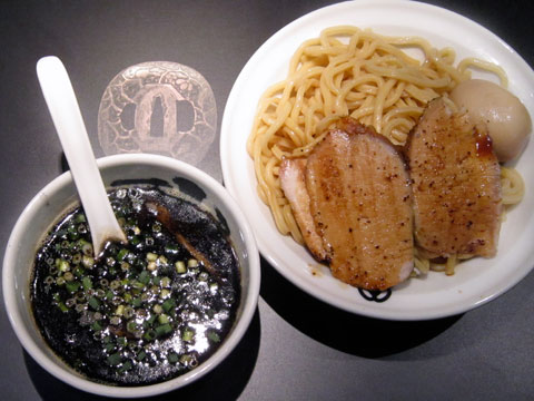 麺屋武蔵 武骨相傳 相傳つけ麺 黒