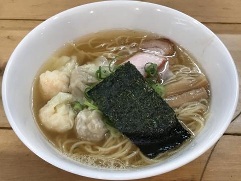 支那そば 大和 特製ワンタン麺<ワンタンハーフ> 白だし