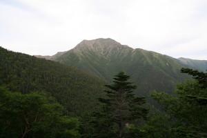 熊の平小屋から農鳥岳
