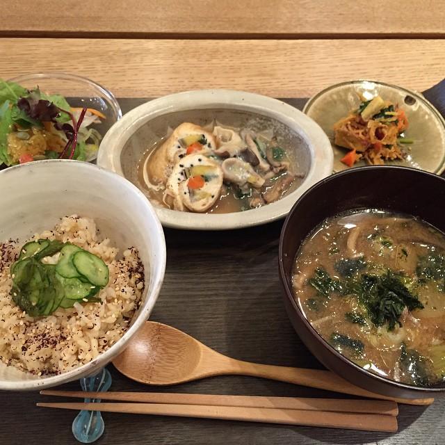 OVE Cafe / たっぷり味噌汁と土鍋ごはん
