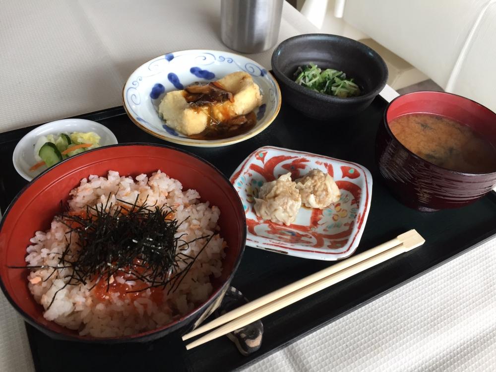 T・A・M・A 青山 / 秋鮭とイクラ御飯