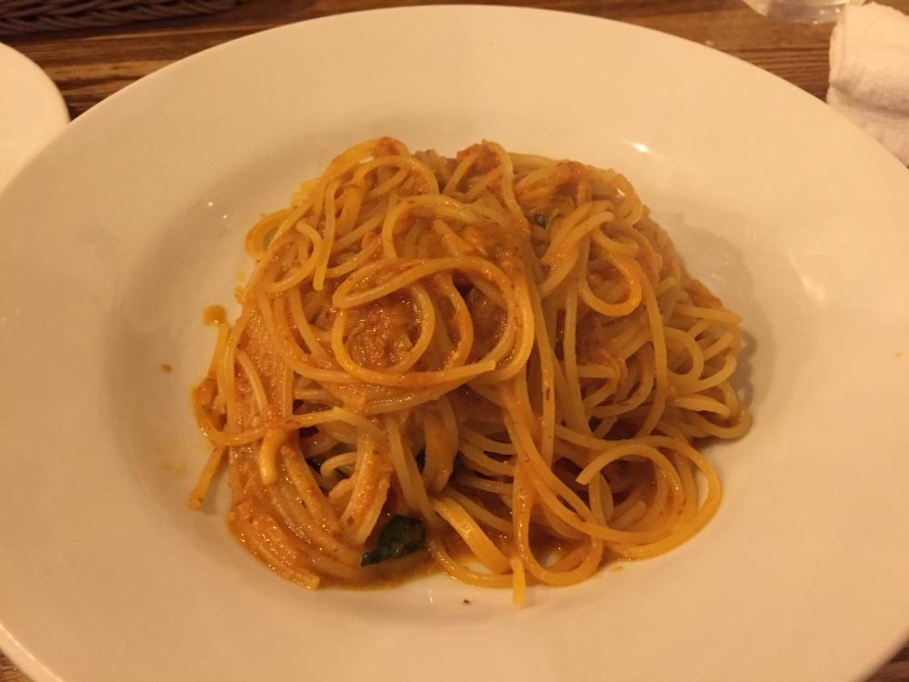 TRATTORIA 2 COLORI (トラットリア ドゥエ コローリ) / ワタリガニのトマトクリームソース スパゲッティ
