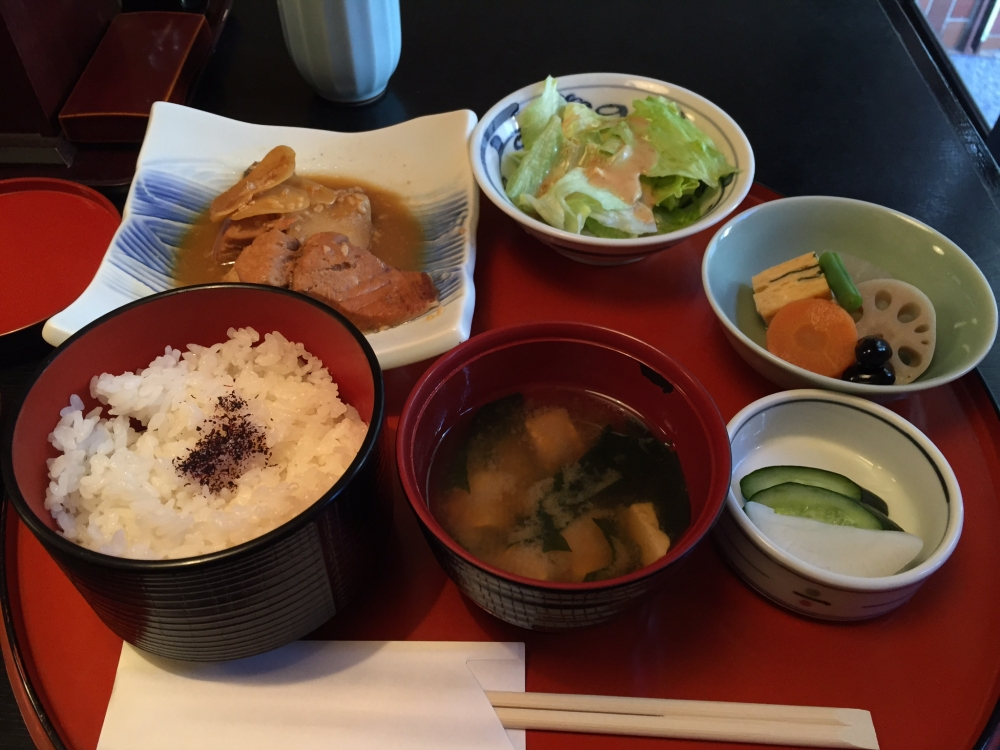 菜遊 / 煮魚定食