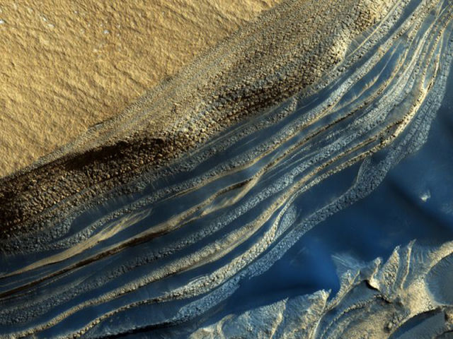the_most_magnificent_pictures_of_mars_taken_by_nasas_orbiter_640_04.jpg