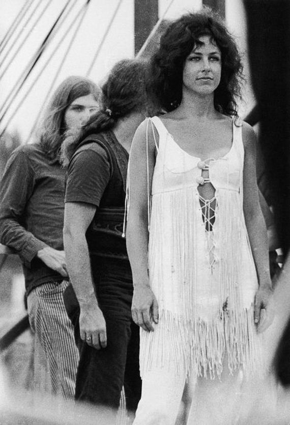 15-woodstock_women.jpg