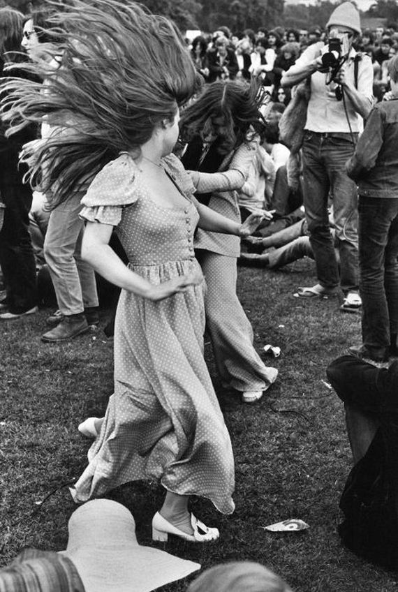 08-woodstock_women.jpg