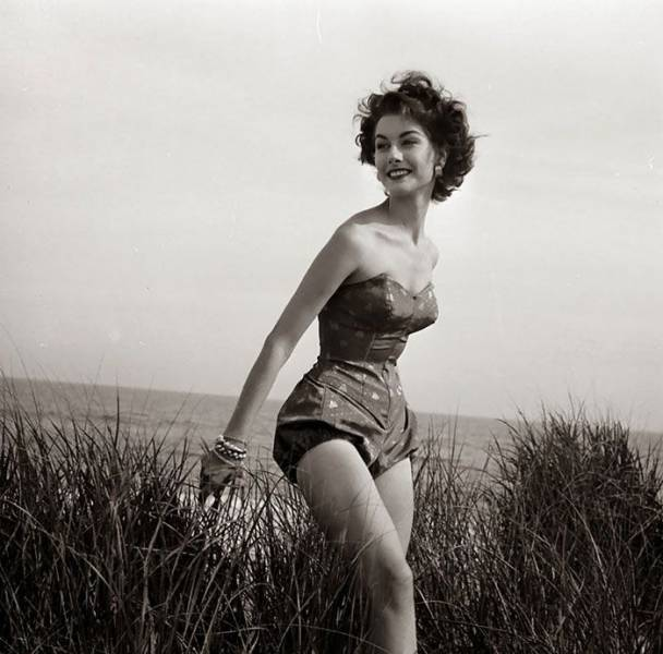 beauty_and_fashion_of_women_from_the_40s50s_640_36.jpg