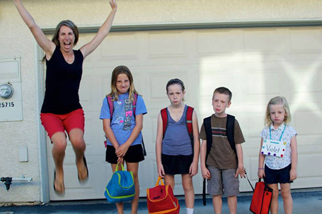 parents_reaction_to_the_first_day_of_school_640_17.jpg
