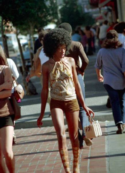 hot_women_from_70s_sure_had_some_style_640_07.jpg
