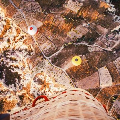 these_views_from_turkeys_cappadocia_look_more_like_some_magic_world_640_12.jpg