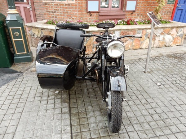 inglourious basterds movie motorcycle sidecar.jpg